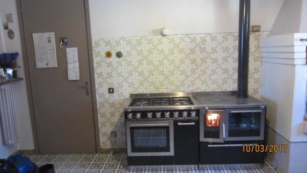 Monoblocco De Manincor con cucina a legna F80 e gas G910
